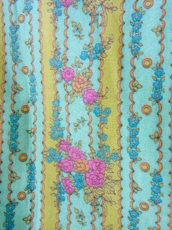 ヨーロッパ古着 フランス買い付け 60年代製 水色 X ライムグリーン 花柄壁紙風プリント ワンピース 17FC004