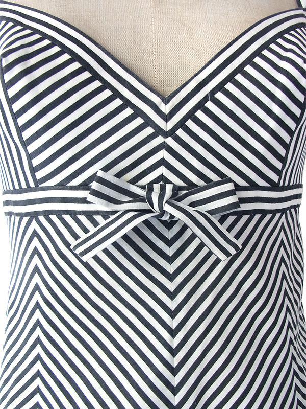 ヨーロッパ古着 フランス買い付け 60年代製 モノトーン X バイアス柄 胸元リボン ストラップ ワンピース 17FC206