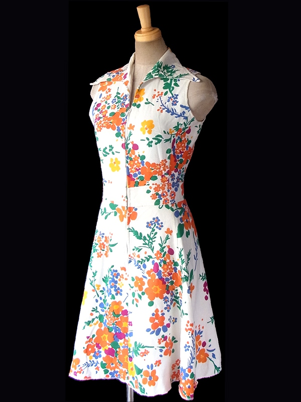 ヨーロッパ古着 フランス買い付け 60年代製 ホワイト X カラフル花柄 フロントジップ ヴィンテージ ワンピース 17FC215