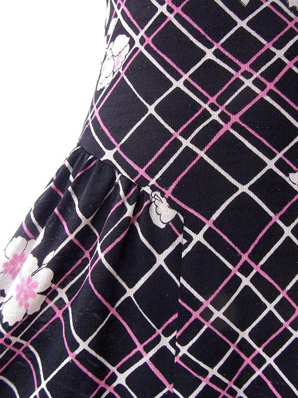 ヨーロッパ古着 70年代フランス製 ブラック X ベージュ・マゼンダ 格子柄・花柄 ヴィンテージ ワンピース 17FC304