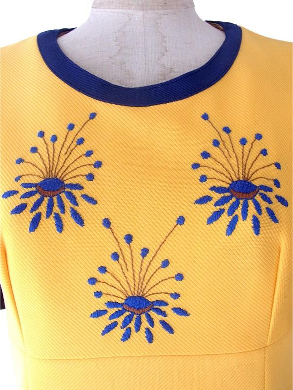 ヨーロッパ古着 ロンドン買い付け 70年代製 まぶしいイエロー X ブルー 美しい刺繍 ヴィンテージ ワンピース 17OM327