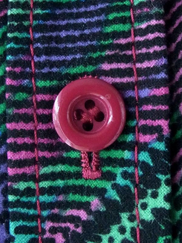 ヨーロッパ古着 ロンドン買い付け 70年代製 グリーン・ピンク・パープル X レトロ柄 共布ベルト付き ヴィンテージ ワンピース