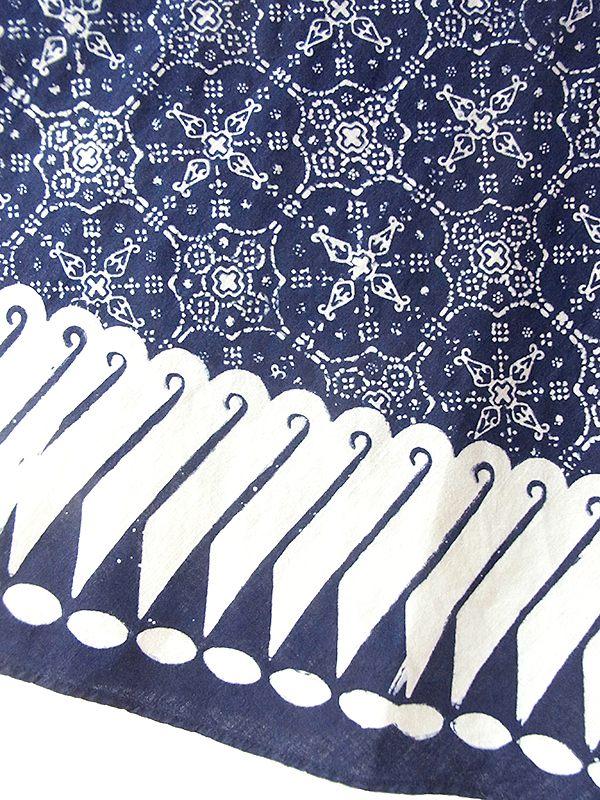 ヨーロッパ古着 ロンドン買い付け 60年代製 藍色 X ホワイト オーナメント柄 ウェストゴム入り スカート 18BS225