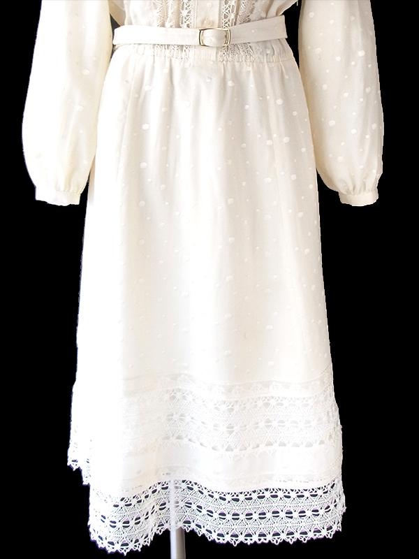 ヨーロッパ古着 ロンドン買い付け 60年代製 アイボリー X レース装飾・水玉刺繍 共布ベルト付き ヴィンテージ ワンピース 18BS318