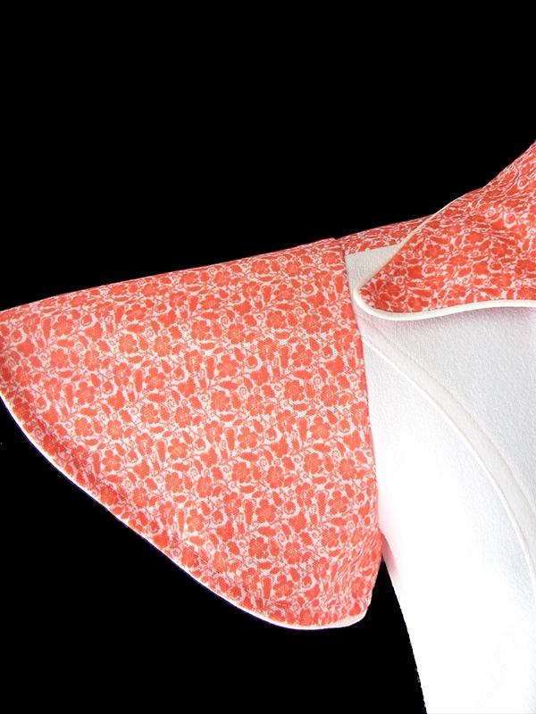ヨーロッパ古着 フランス買い付け 70年代製 ホワイト X 朱色 小花柄 ポケット・共布ベルト付き レトロ ワンピース 18FC213