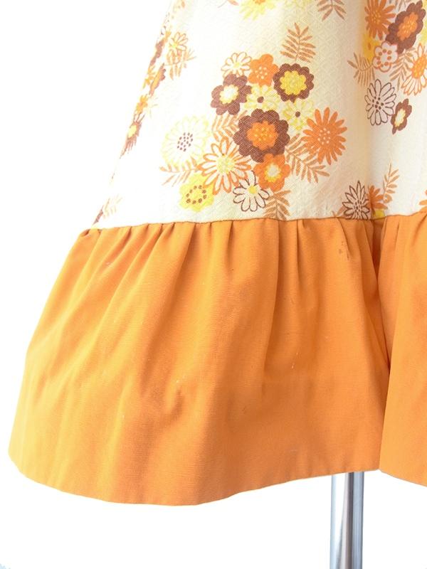 ヨーロッパ古着 フランス買い付け 60年代製 淡いイエロー X オレンジ・ブラウン花柄 ダイヤ型型押し生地 ワンピース 18FC215