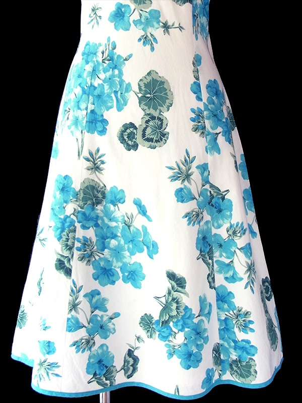 ヨーロッパ古着 フランス買い付け 60年代製 ホワイト X ターコイズブルー 花柄 縁取り ヴィンテージ ワンピース 18FC217