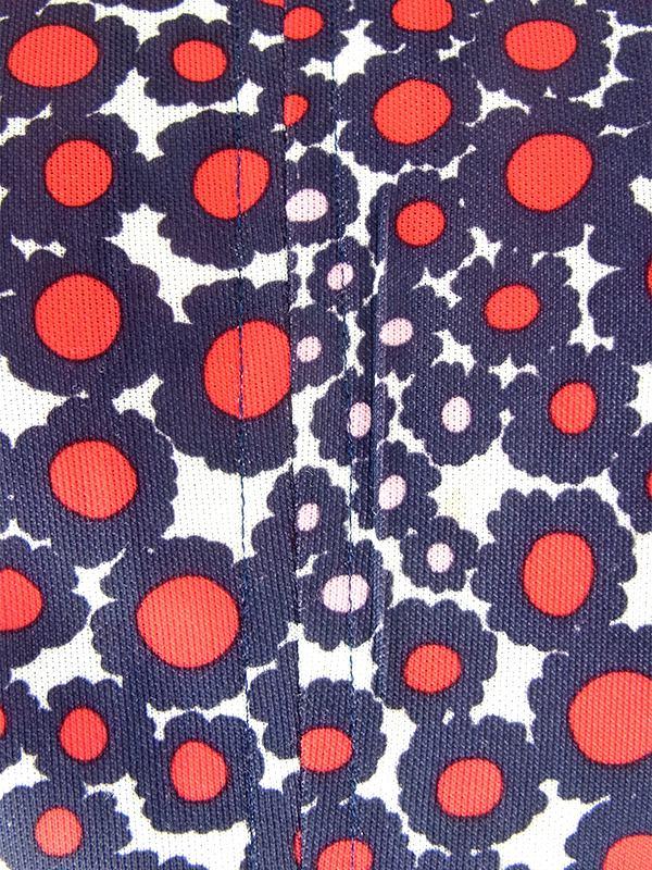 ヨーロッパ古着 70年代フランス製 レッド X ブルー・ピンク 花柄モチーフのレトロ柄 ヴィンテージ ワンピース 18FC412
