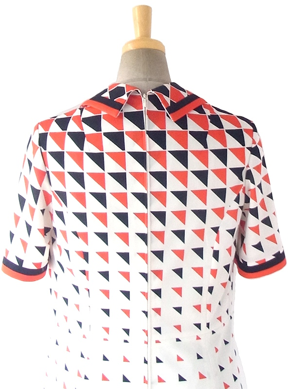 ヨーロッパ古着 ロンドン買い付け 70年代製 ホワイト X レッド・ブラック 幾何学模様 ヴィンテージ ワンピース 18OM201