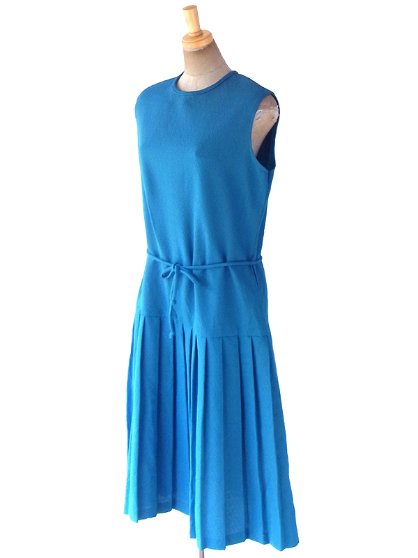 ヨーロッパ古着 ロンドン買い付け 70年代製 ターコイズブルー X プリーツスカート 共布ベルト付き ヴィンテージ ワンピース 18OM600