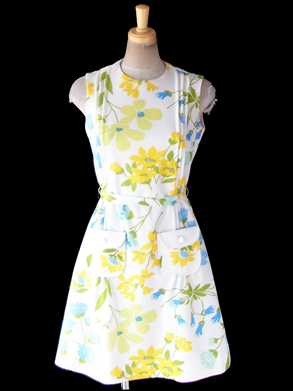 ヨーロッパ古着 ロンドン買い付け 70年代製 ホワイト X 淡い色合いの花柄プリント 共布ベルト・ポケット付き レトロ ワンピース 19BS104
