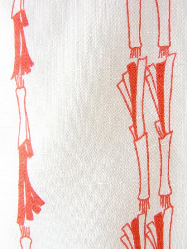 ヨーロッパ古着 ロンドン買い付け 70年代製 クリーム色 X レッド レトロ柄 共布ベルト付き ワンピース 19BS200