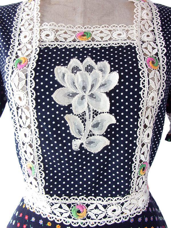 ヨーロッパ古着 フランス買い付け 60年代製 ブラック X カラフル小花柄 ホワイトカットレース ワンピース 19FC015