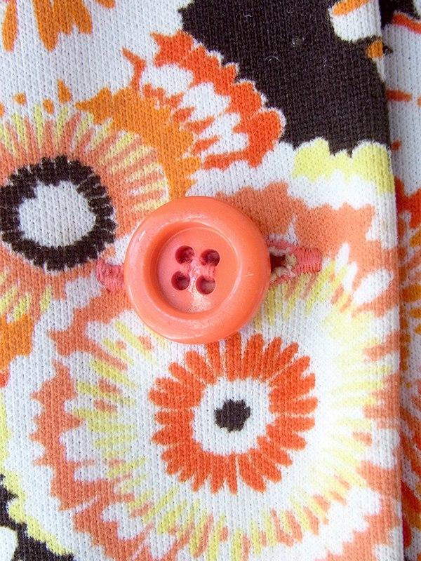 ヨーロッパ古着 フランス買い付け 60年代製 ブラック X オレンジ 花柄イラスト ヴィンテージ ワンピース 19FC209