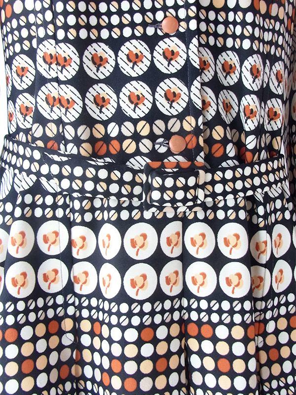 ヨーロッパ古着 フランス買い付け 70年代製 ブラック X ブラウン・ベージュ 水玉モチーフレトロ柄 共布ベルト付き ワンピース 19FC402