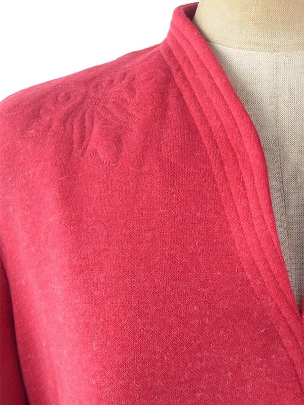 ヨーロッパ古着 ロンドン買い付け 60年代製 ボルドー X 肩口に型押しオーナメント 共布ベルト付き ワンピース 20BS114
