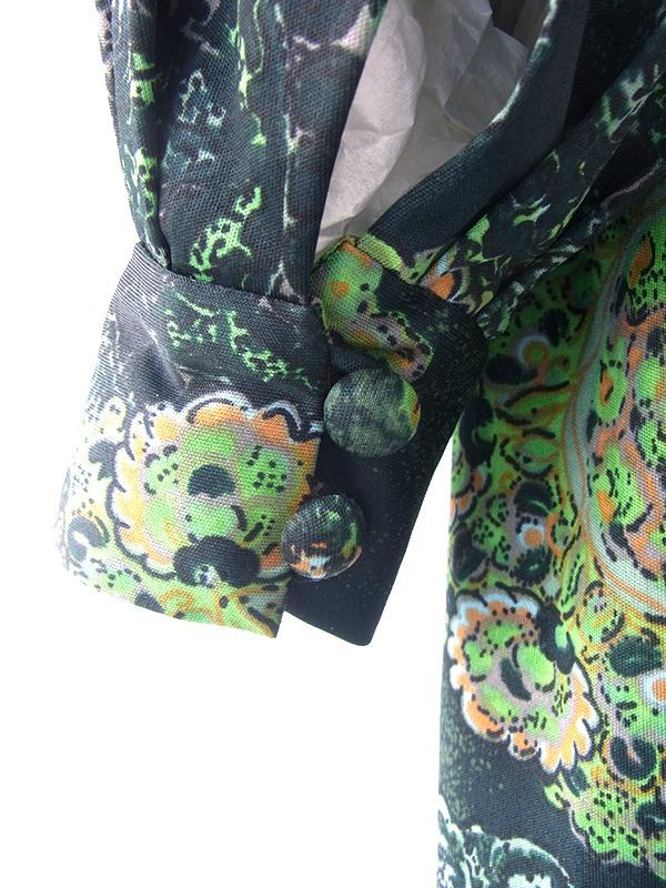 ヨーロッパ古着 ロンドン買い付け 70年代製 グリーン X レトロ柄 くるみボタン 共布ベルト付き ヴィンテージ ワンピース 21BS011