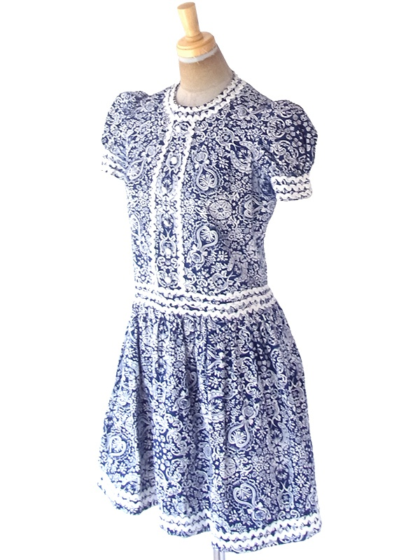 ヨーロッパ古着 フランス買い付け 60年代製 ブルー X ホワイト レトロ柄 山道テープ パフスリーブ ワンピース 21FC001