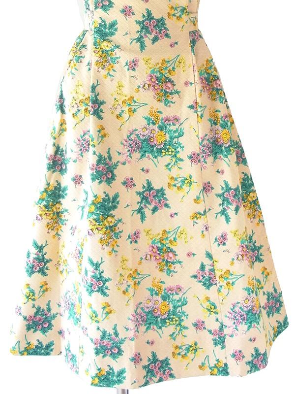 ヨーロッパ古着 フランス買い付け 60年代製 淡いイエロー X 花柄 ハリのある凹凸コットン生地 ワンピース 21FC100