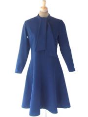 ヨーロッパ古着 フランス買付 70年代製 ロイヤルブルー 凹凸で模様の浮かぶ生地X ボウタイ  フレア ワンピース 20FC609