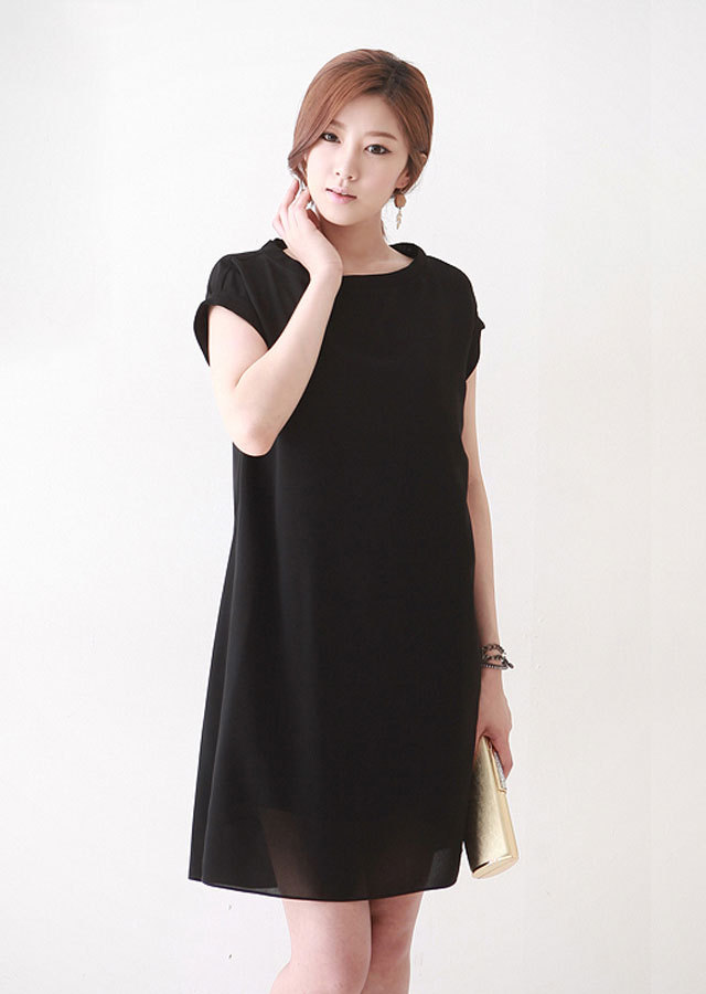《Elegant-Q》ミニマルライン~クリーンワンピース(ブラック)【LLサイズ 3Lサイズ 4Lサイズ 5Lサイズ】
