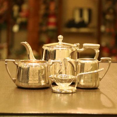 London Tea Roomオリジナルロゴ入りMappin&Webb(マッピン&ウェッブ)ホテル用ティーセット LTR-05【アンティーク(中古品)】【イギリス製】【シルバー】