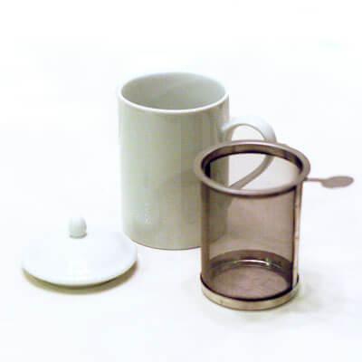 ●茶こし付きティーマグ 丸取っ手(無地)(陶器製マグカップ・蓋、丸取っ手茶こし付)日本製