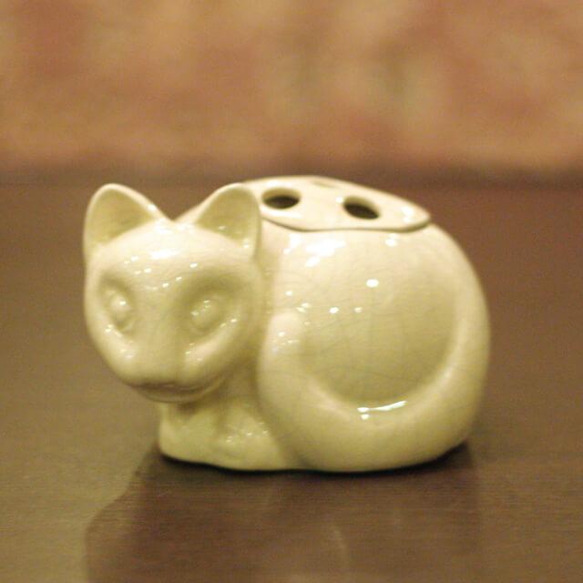 【中古】Tiffany(ティファニー)小猫ポプリホルダー(香炉) 磁器 tf-73