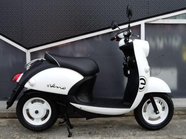 ヤマハ E-Vino(電動バイク) ホワイト 中古車