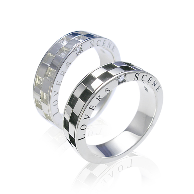 チェック柄ダイヤモンド付きペアリング