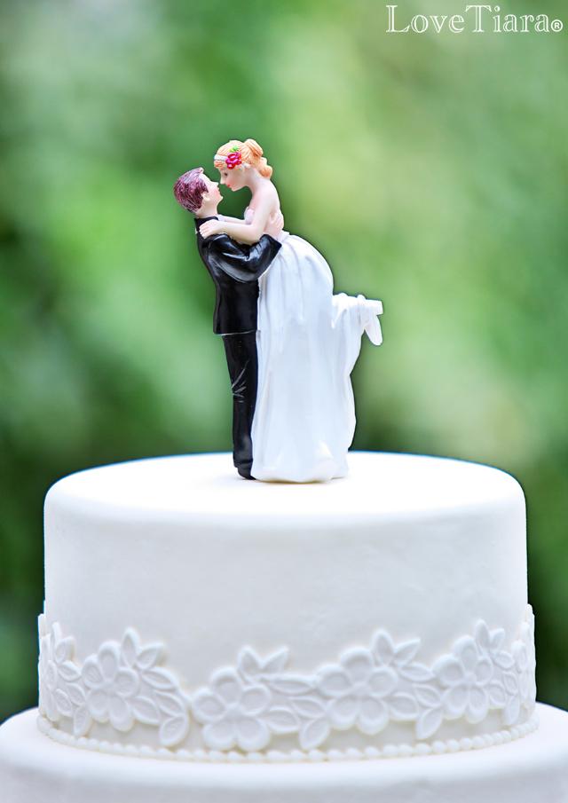 ケーキトッパー【Bride\u0026Groomハグ】