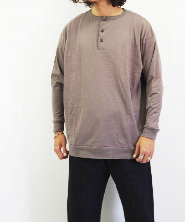 MUYA/ムヤ Henry neck straight T-shirts LS (全2色)