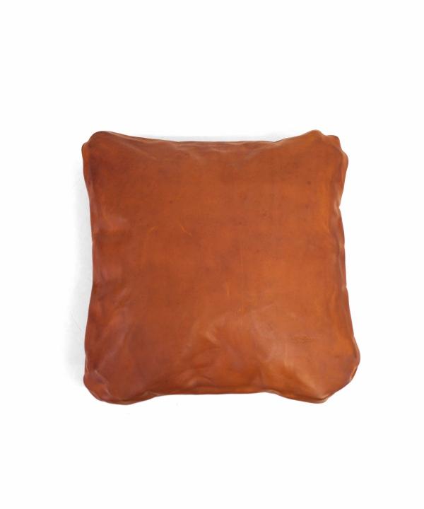 Brown Brown/ブラウンブラウン レザークッション