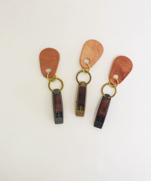 ブラウンブラウン/Brown Brown   Whistle key chain