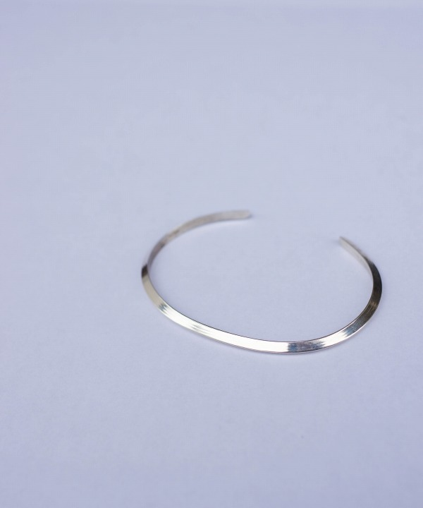 ELAIN TAHE/エレイン タヘ  TRIANGLE PLAIN BRACELET