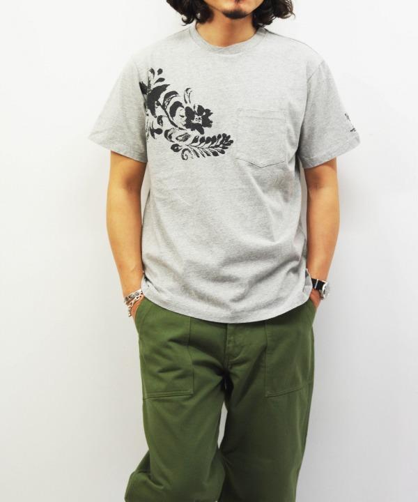 Engineered Garments/エンジニアド ガーメンツ Printed Cross Crew Neck T-shirt - Floral (全3色)