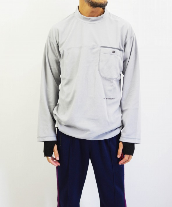 and wander/アンドワンダー thermotron high neck T (全2色)