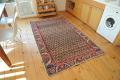 ウルギュップ産絨毯