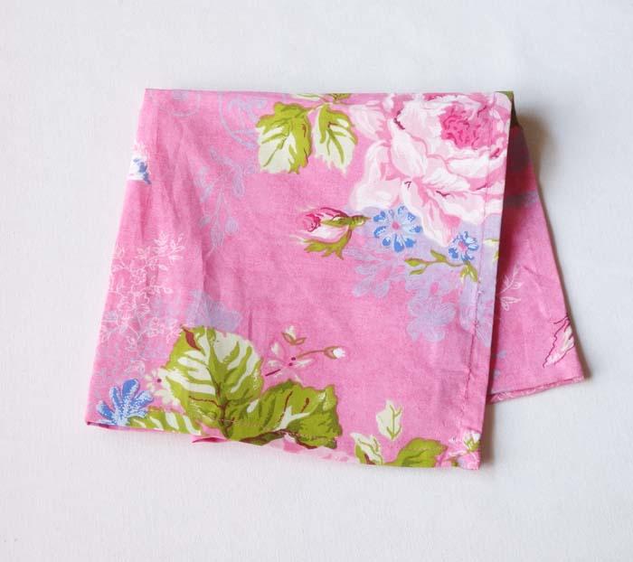 【2点購入で10%OFF♪】☆Peter Hoe☆デザインのピンクのフラワーモチーフの可愛いナプキン♪