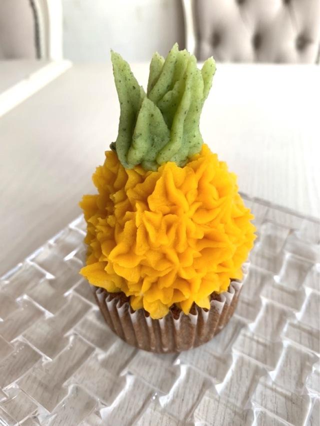 カップケーキ パイナップル