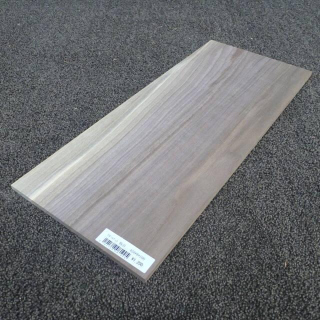 ウォールナット 板目 450×8×190