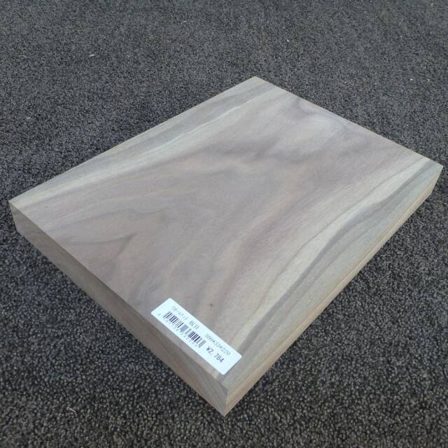 ウォールナット 板目 300×33×220