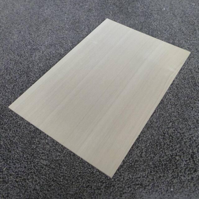 タモ 柾目 300×3×200