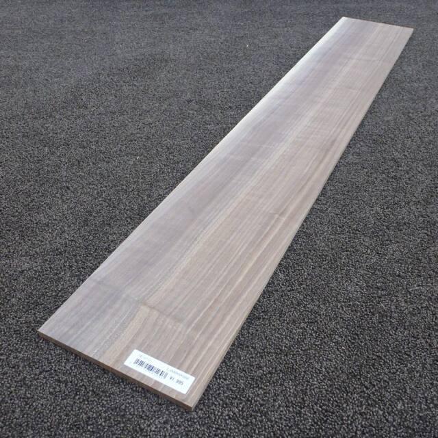 ウオールナット 柾目 1000×8×160