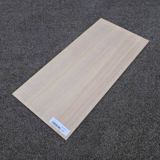 スプルース 柾目 450×3×210