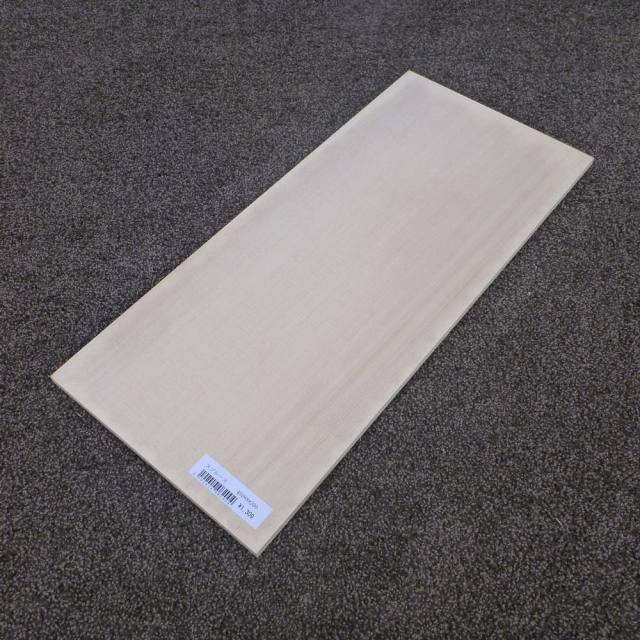 スプルース 柾目 450×8×200