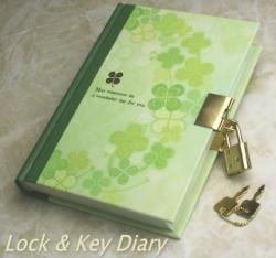 鍵付き日記帳