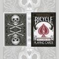 バイシクル・スカル・アンド・ボーンズ・デック (Bicycle Skull & Bones Deck)〔ブラック〕