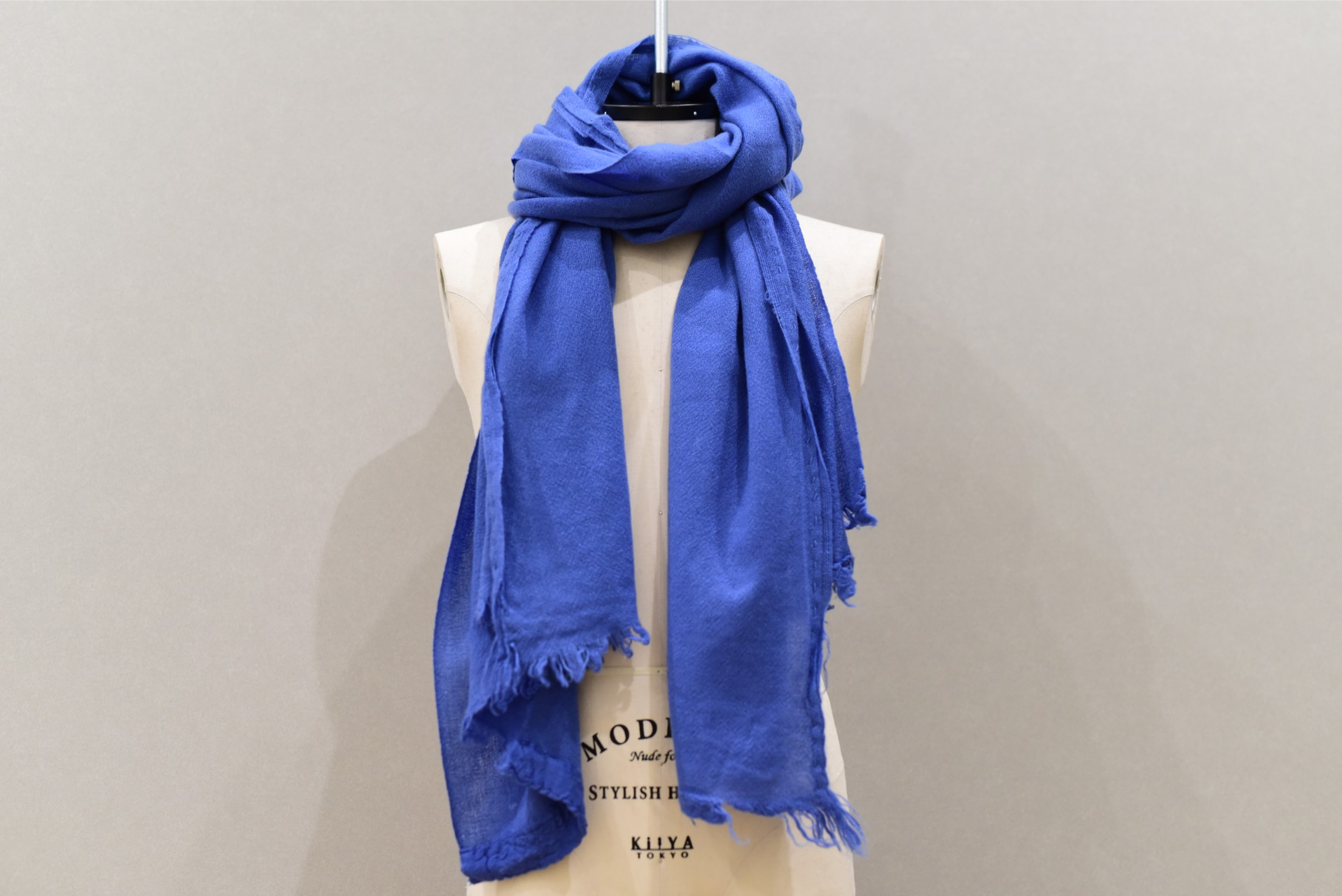Private 02 04 Slow Cashmere Stole(paris)
