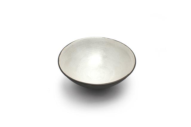 5寸鉢 / 黒土銀彩